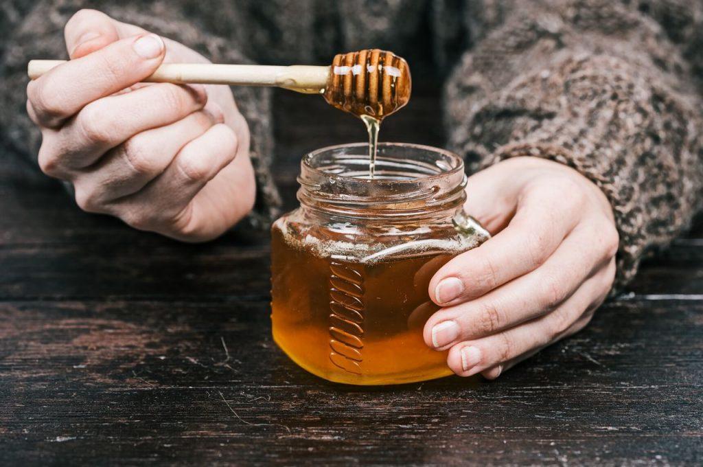 Способи перевірки меду на натуральність в домашніх умовах